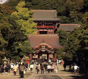 Tsurugaoka Hachiman Shrine, the family shrine of the Minamoto. It was here that the Minamoto line ended when Sanetomo was assassinated in 1219.