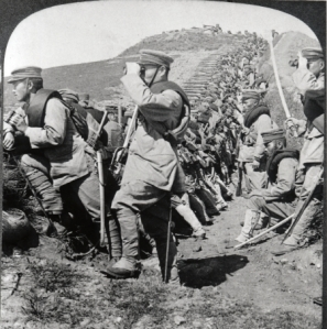 Japanese cavalry troopers on forward reconnaissance during the Russo-Japanese War. Note their European-style cavalry swords. Courtesy of the Library of Congress.