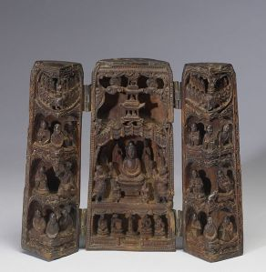 A portable shrine from China; the image depicted is Sakyamuni Buddha (the Budda) preaching the Lotus Sutra before his death. Courtesy of the Wikimedia Foundation.