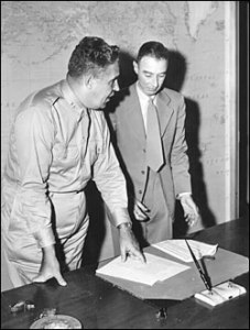 Leslie Groves (left) and Robert Oppenheimer (right) were the chief leaders of the Manhattan Project.