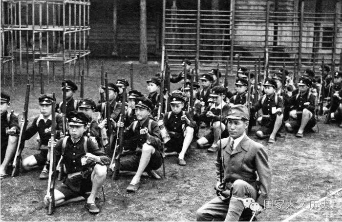The army's obsession with spiritual toughness was such that eventually it was able to receive a mandate to begin army training before men were even conscripted. Children were given basic army drills as part of their PE requirements starting in the 1920s, with the instructors being former army officers.
