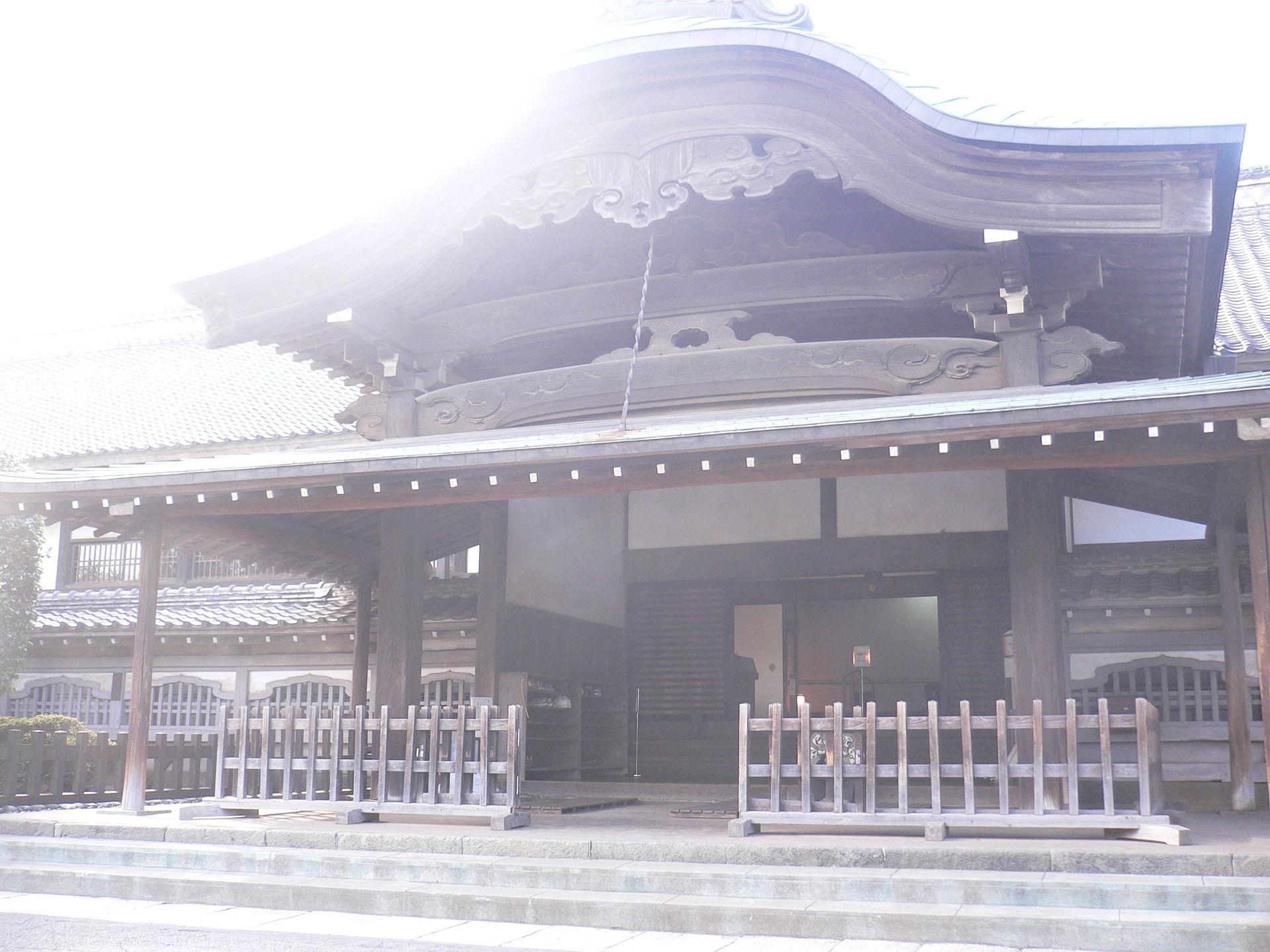 1920px-Kawagoe_castle-Honmaru-2006-02-12